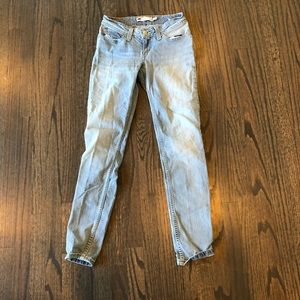 Levi's - washed denim